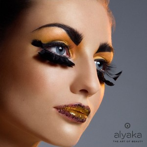 Gold Makeup Trends