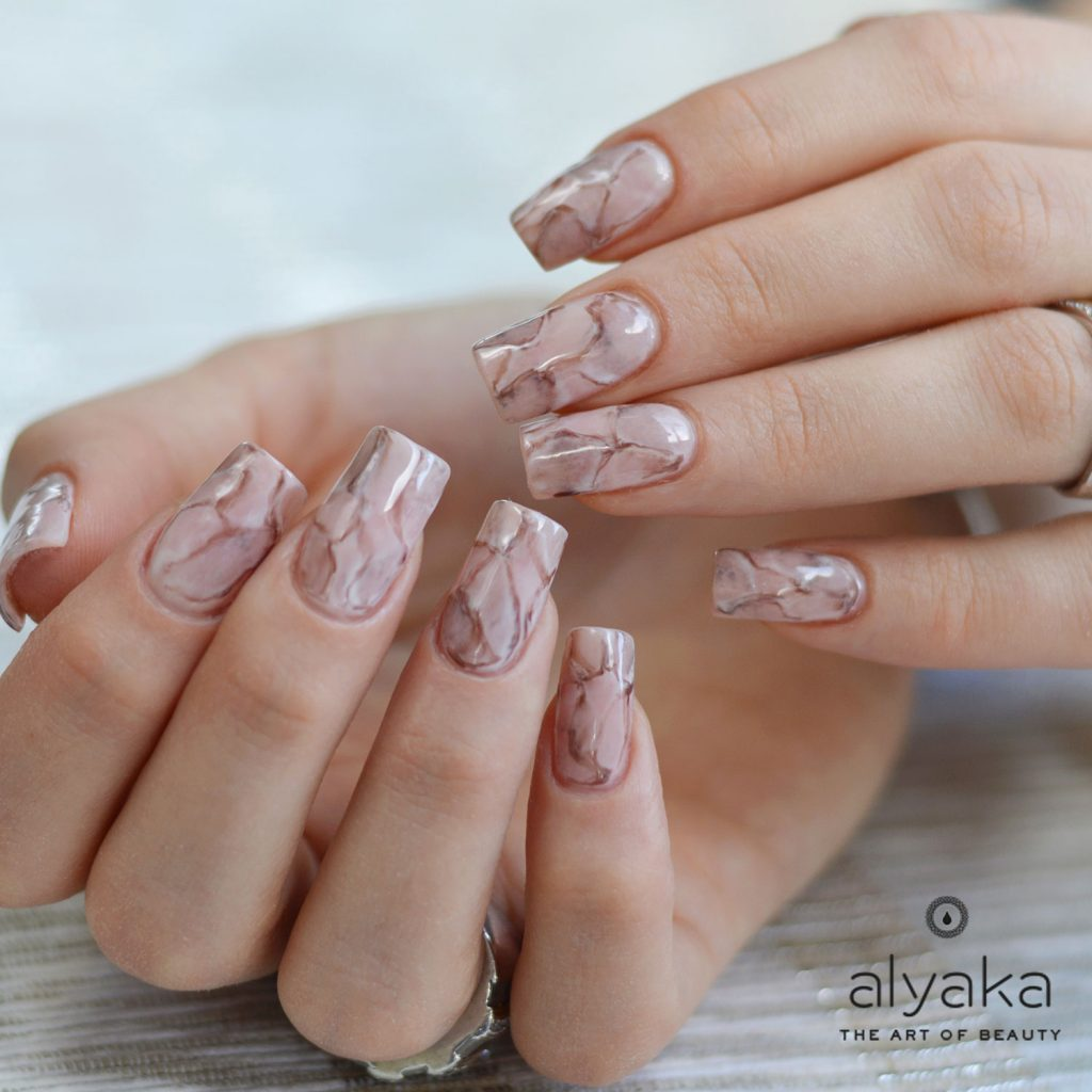 Nail trends alyaka marble nail design prinsesfo Images