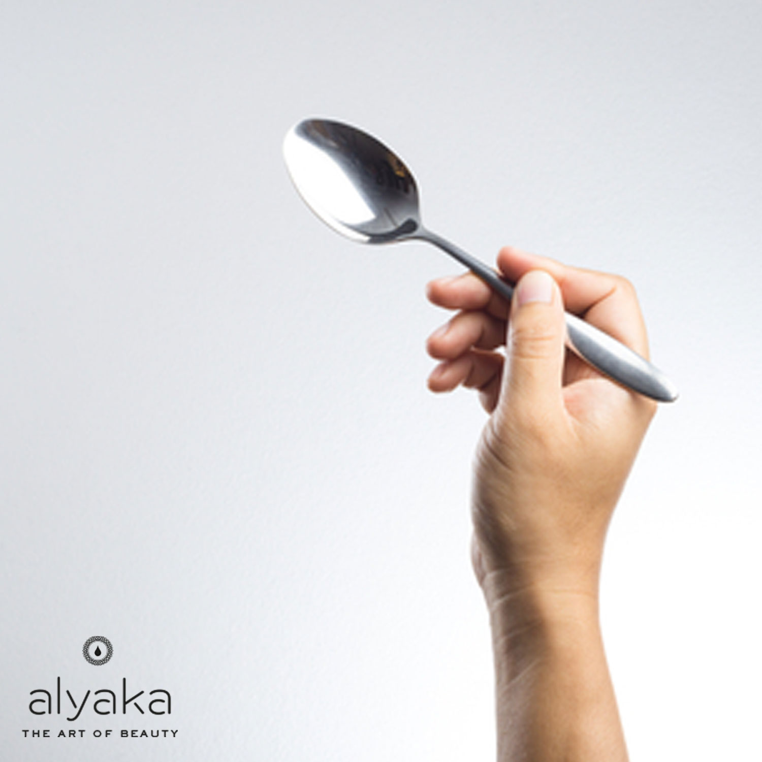 Chilled Spoon for Eye Bags Removal