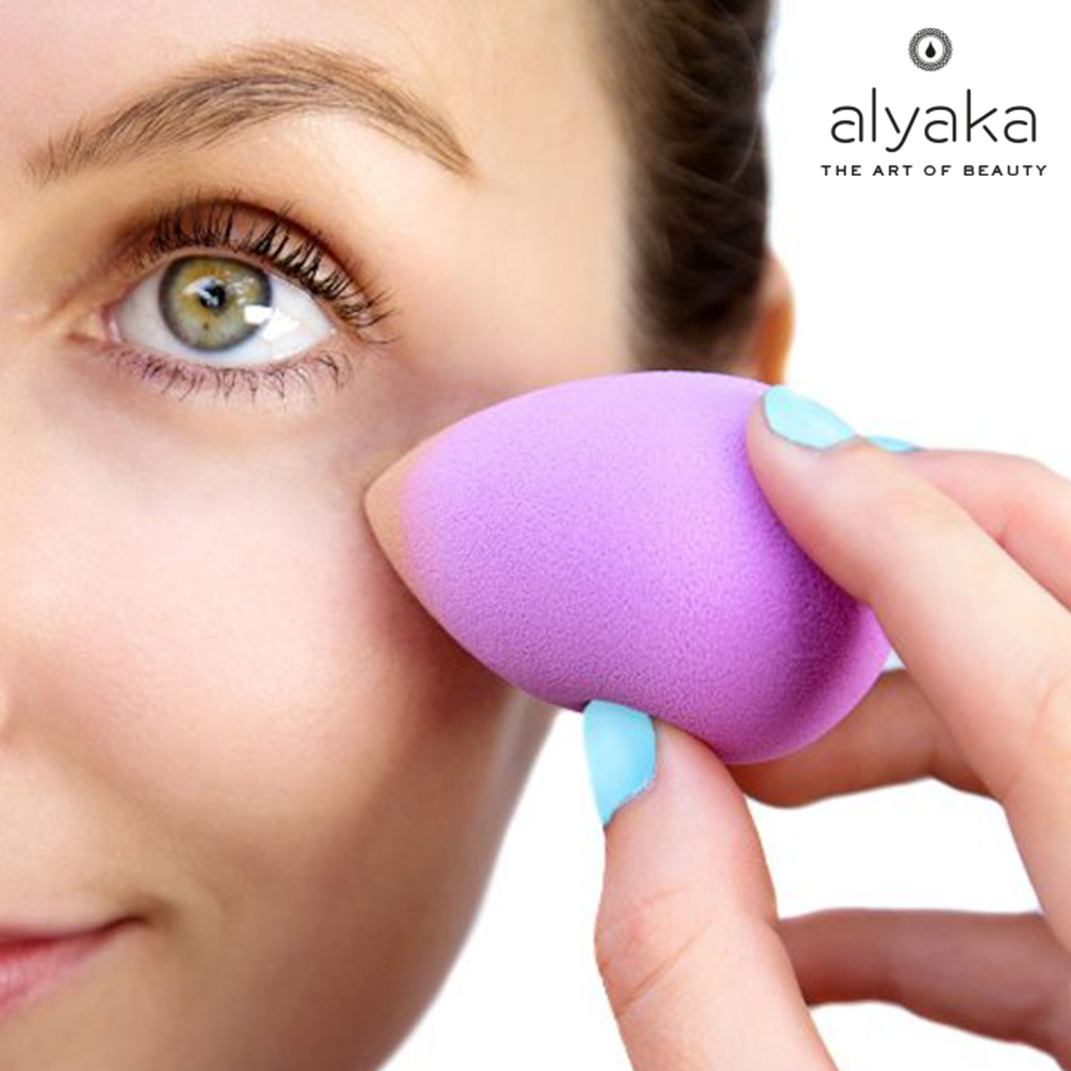 Bounce Technique for Makeup Sponges