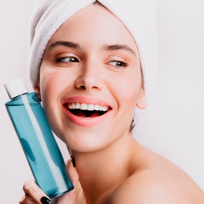 Guide to Natural Face Toners: DIY Recipes, Best Brands and Recommendations